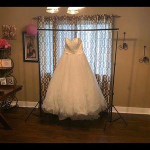 Walt Disney Cinderella Alfred Angelo Wedding Dress
